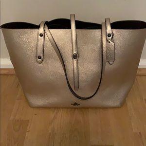Handbags - Coach Market tote
